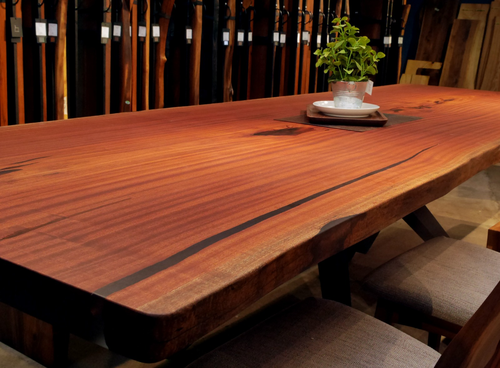 African Sapele Solid Wood Dining Table