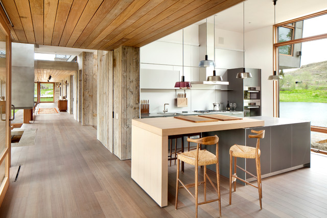 Solid wood floor, solid wood island counter and 2 bar stools